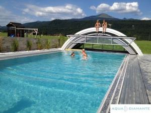Bazén s prestrešením