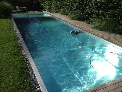 Medence a klórmentes AquaDiamante vízkezeléssel.