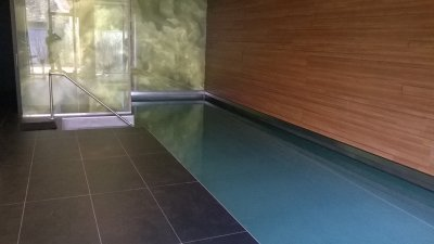 Interiérový nerezový bazén s AquaDiamante úpravou vody